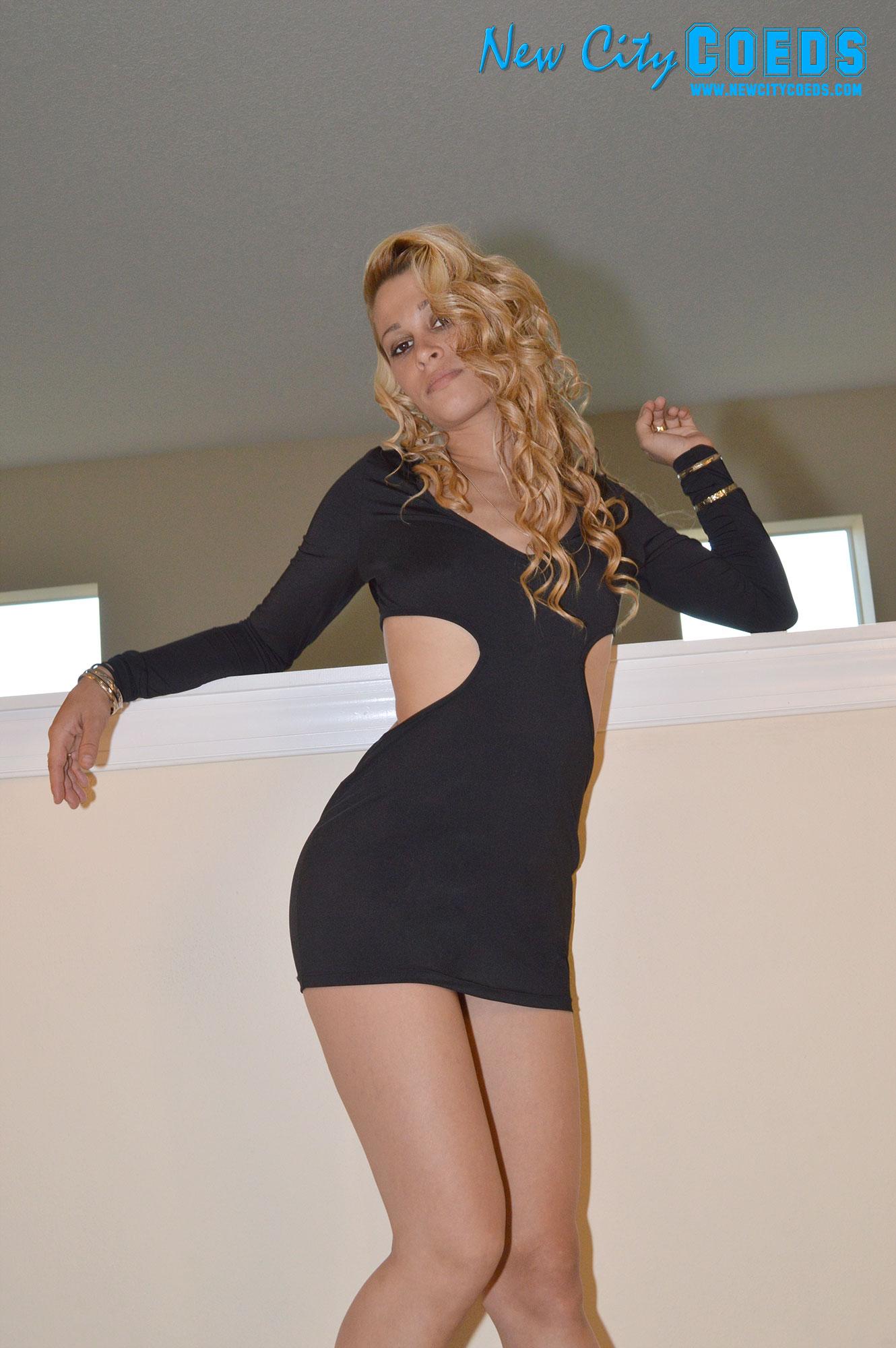 Teen Coed Model Marie - Red Rocker Free Gallery - New City